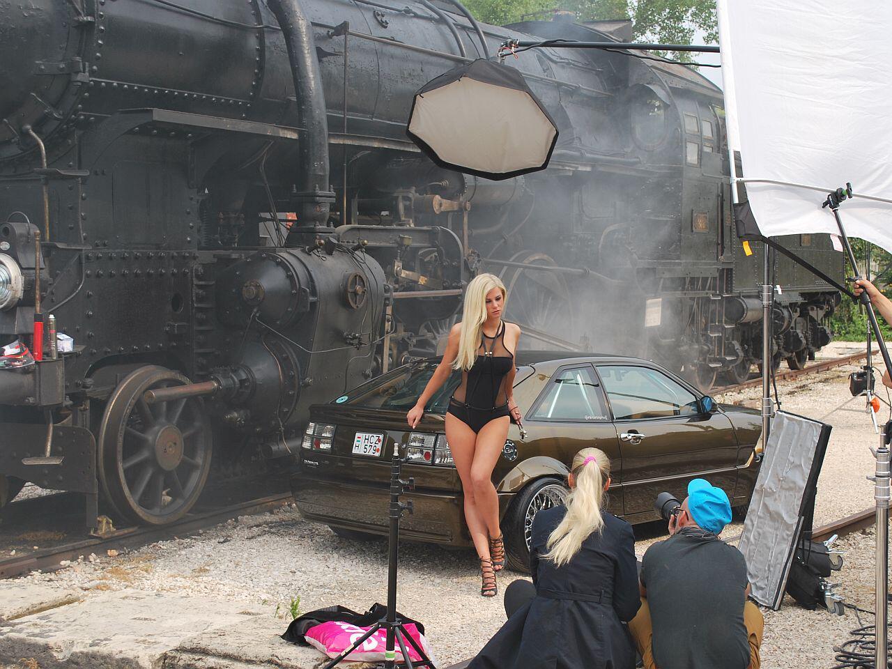Bild zu Die getunten Autos geraten zumeist in den Hintergrund
