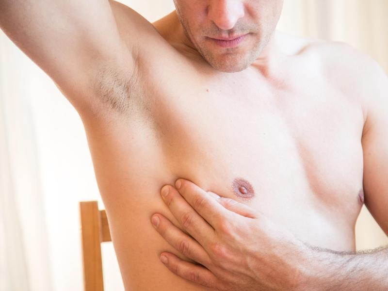 Bild zu Abtasten der Brust