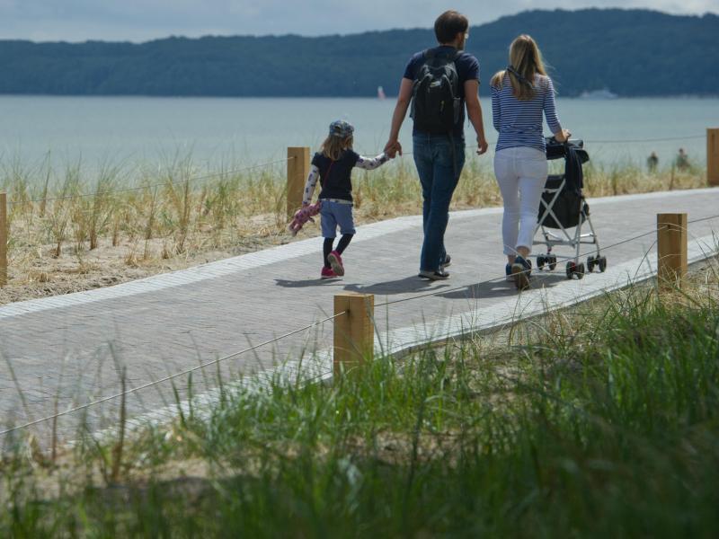 Bild zu Strandpromenade zwischen Binz und Prora