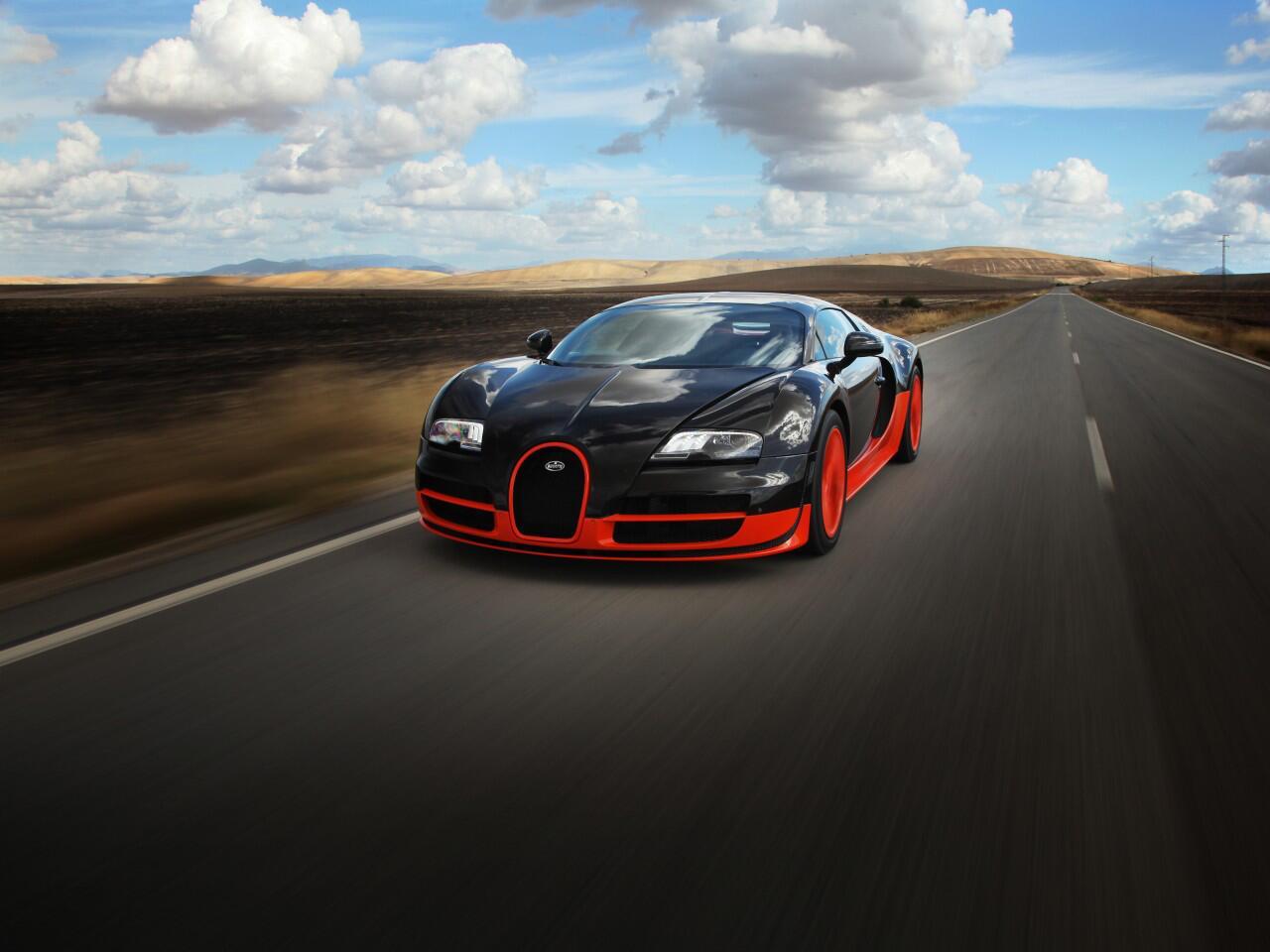 Bild zu Platz 1: Der Bugatti Veyron 16.4 Super Sport erreicht unglaubliche 431,072 km/h