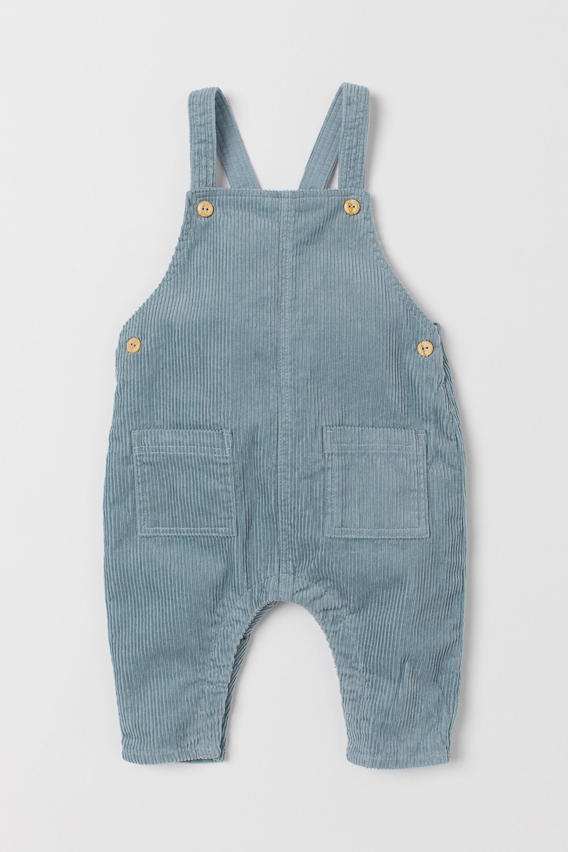 Bild zu Baby, Erstausstattng, Kleidung, bequem, alltagstauglich, praktisch, nachhaltig, festlich