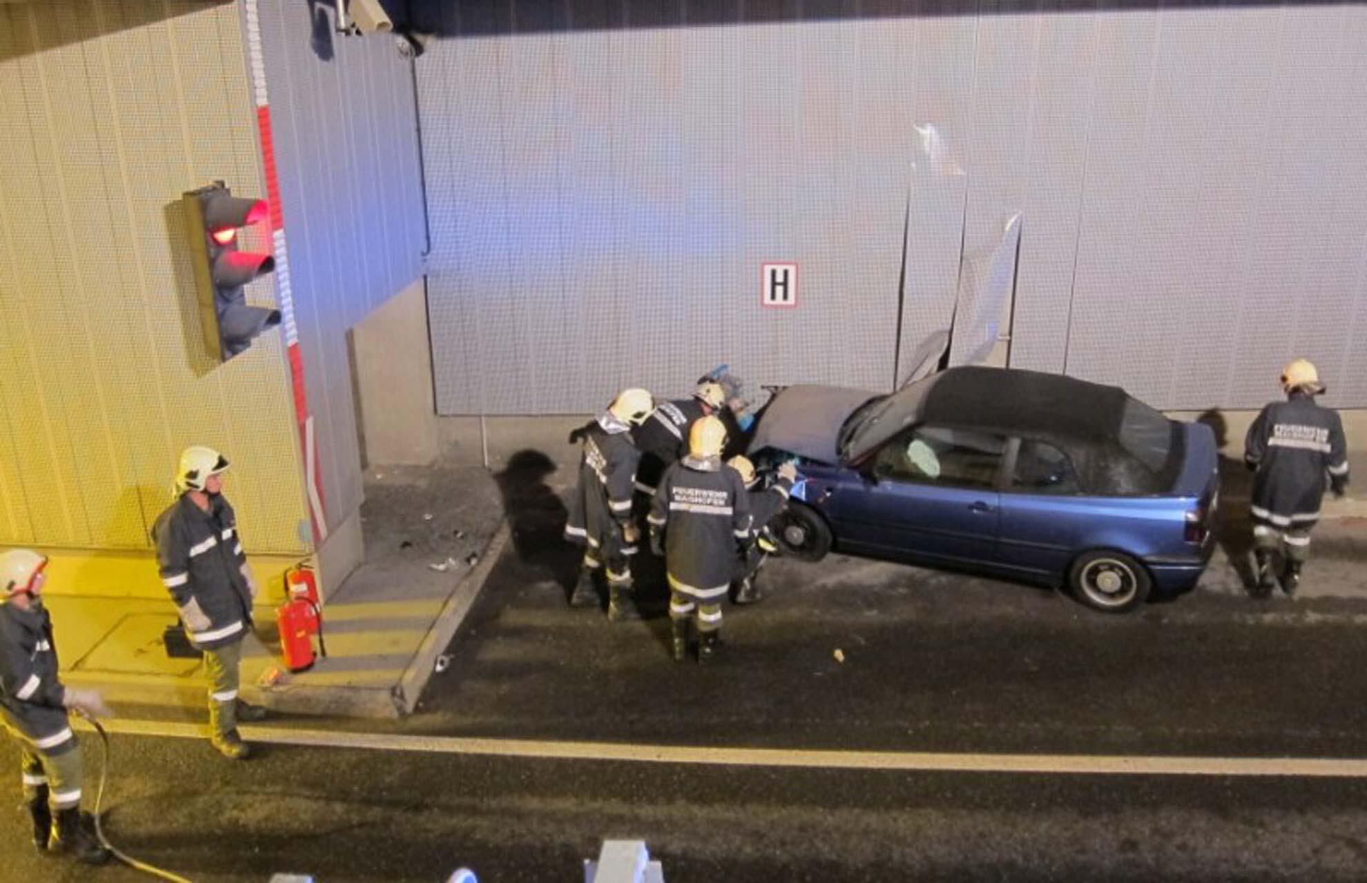 Bild zu Unfall in Tunnel in Tirol