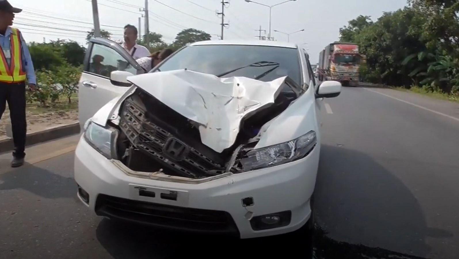 Bild zu Unfall, Lkw-Reifen