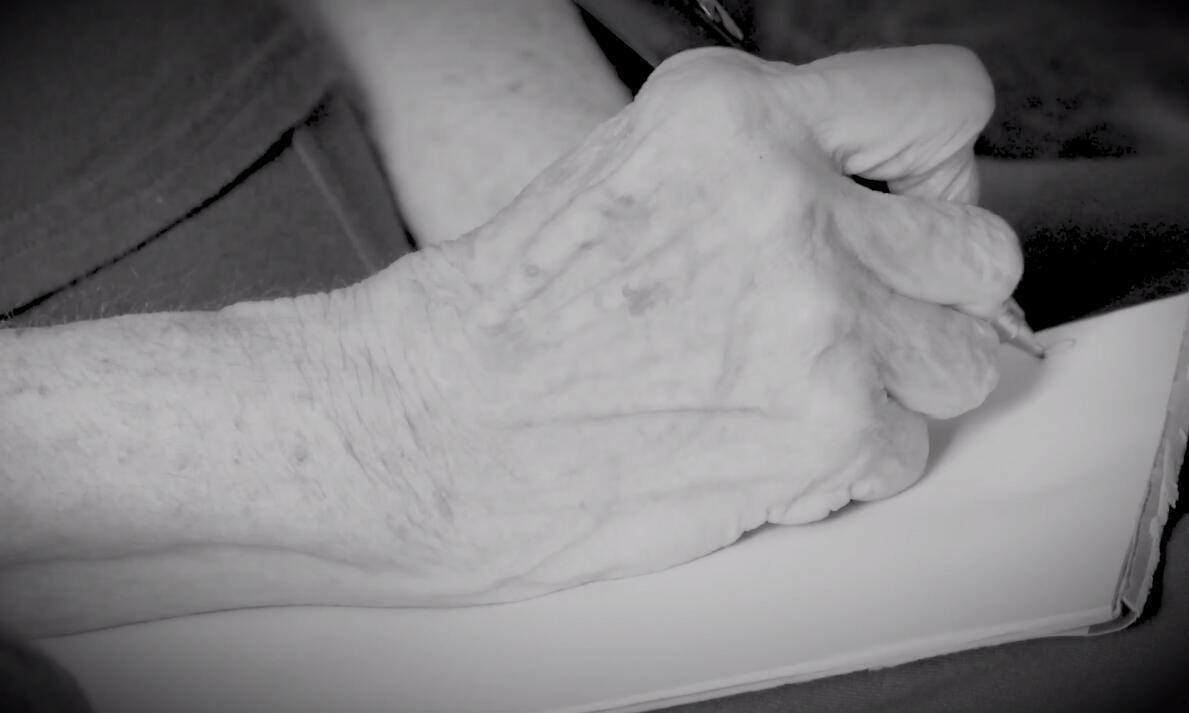 Bild zu Was diese Oma ihrer Enkelin fürs Leben mitgibt ist unbezahlbar