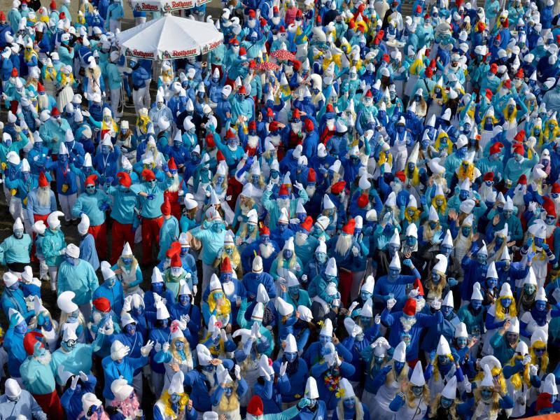 Bild zu Weltrekordversuch Schlumpftreffen