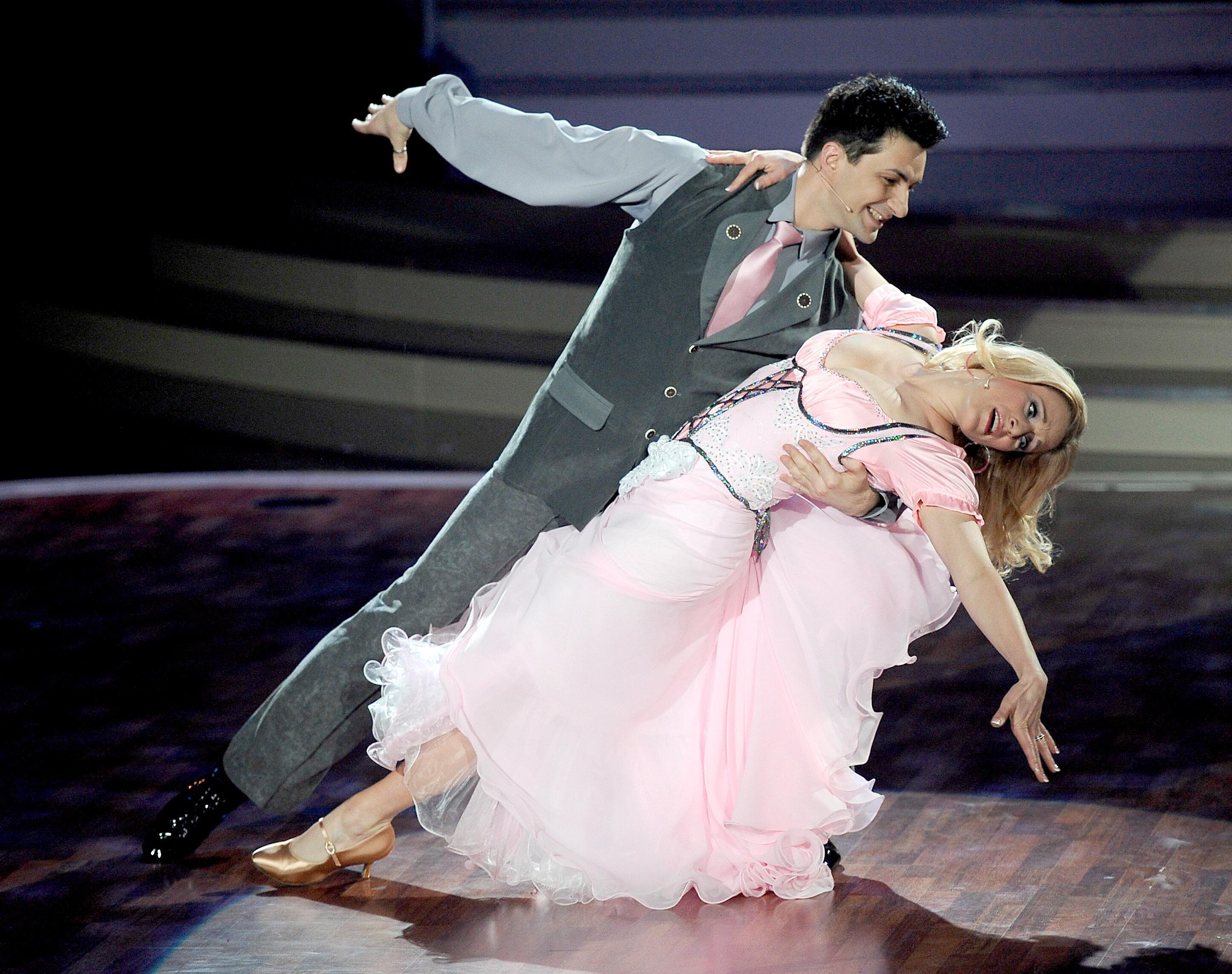 Bild zu Stefanie Hertel tanzt