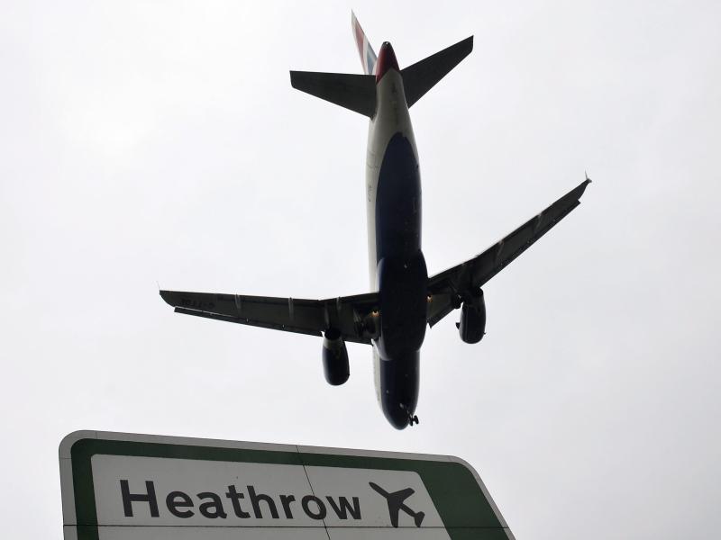 Bild zu Flugzeug am Flughafen Heathrow in London