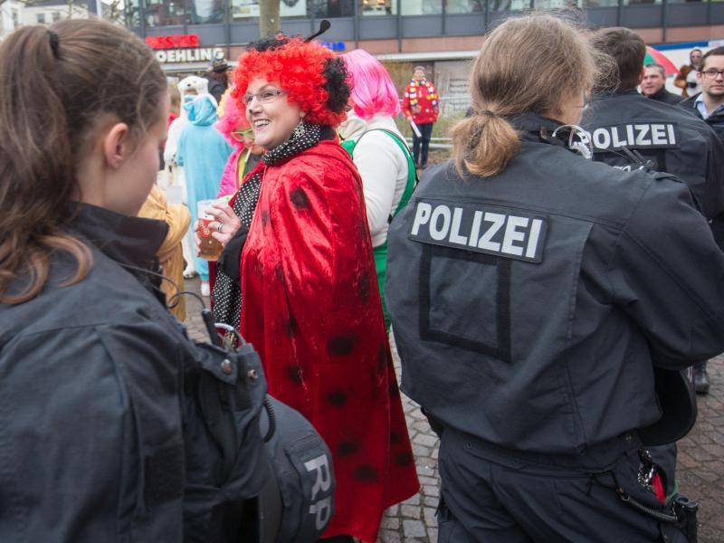 Bild zu Sicherheit im Karneval