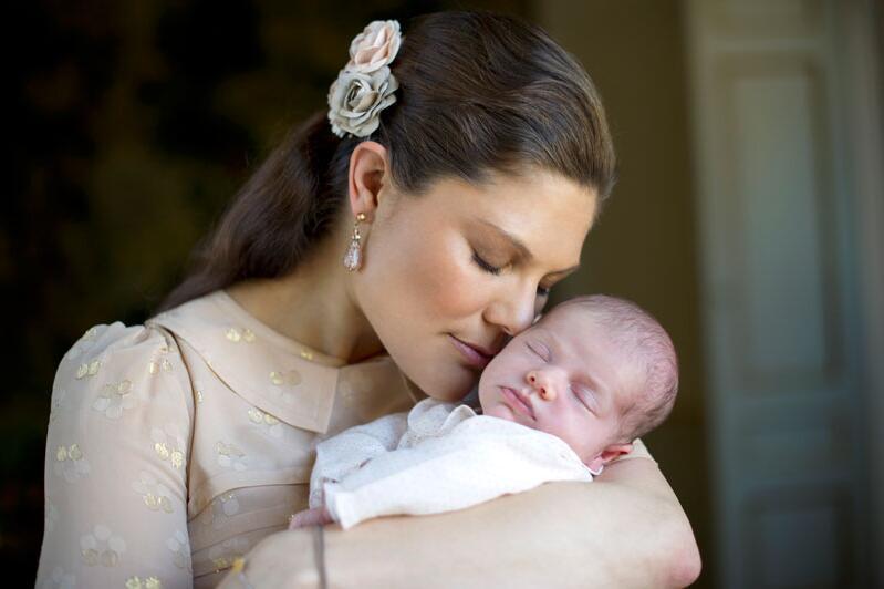 So süß ist Prinzessin Estelle   GMX.AT