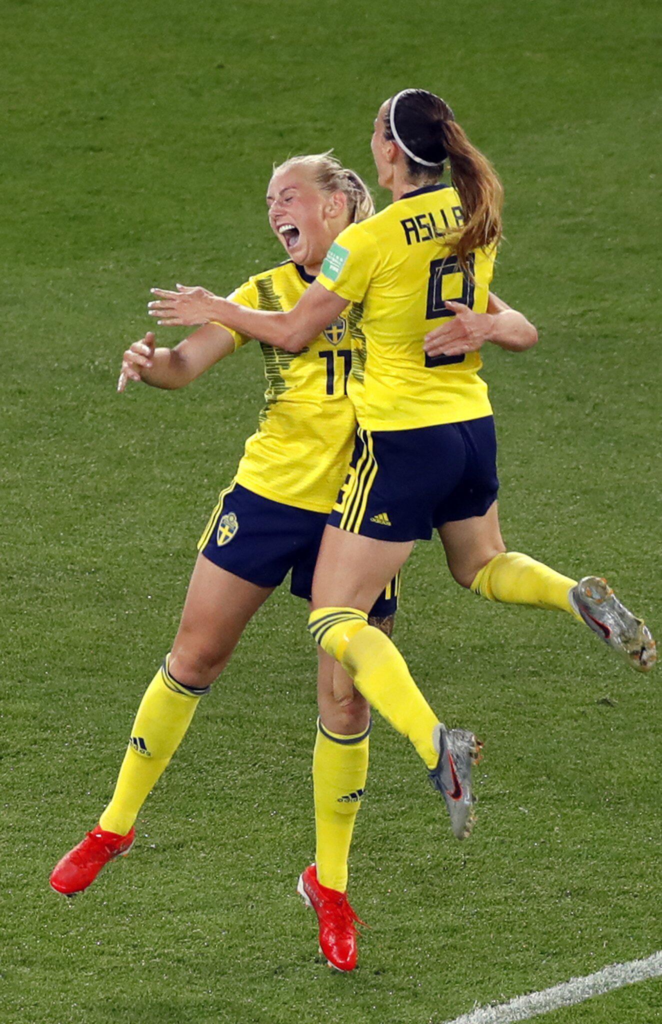 Bild zu Frauenfußball-WM - Schweden - Kanada