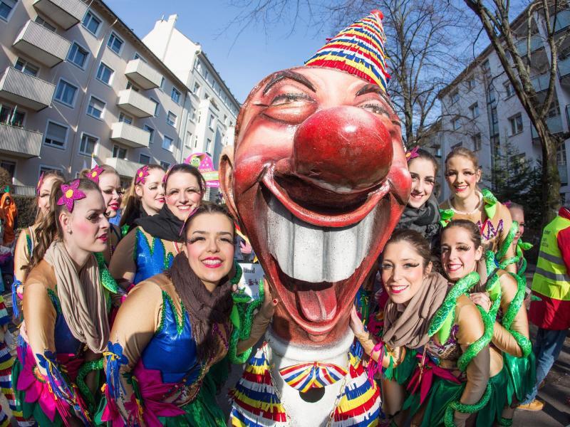 Bild zu Jugendmaskenzug in Mainz