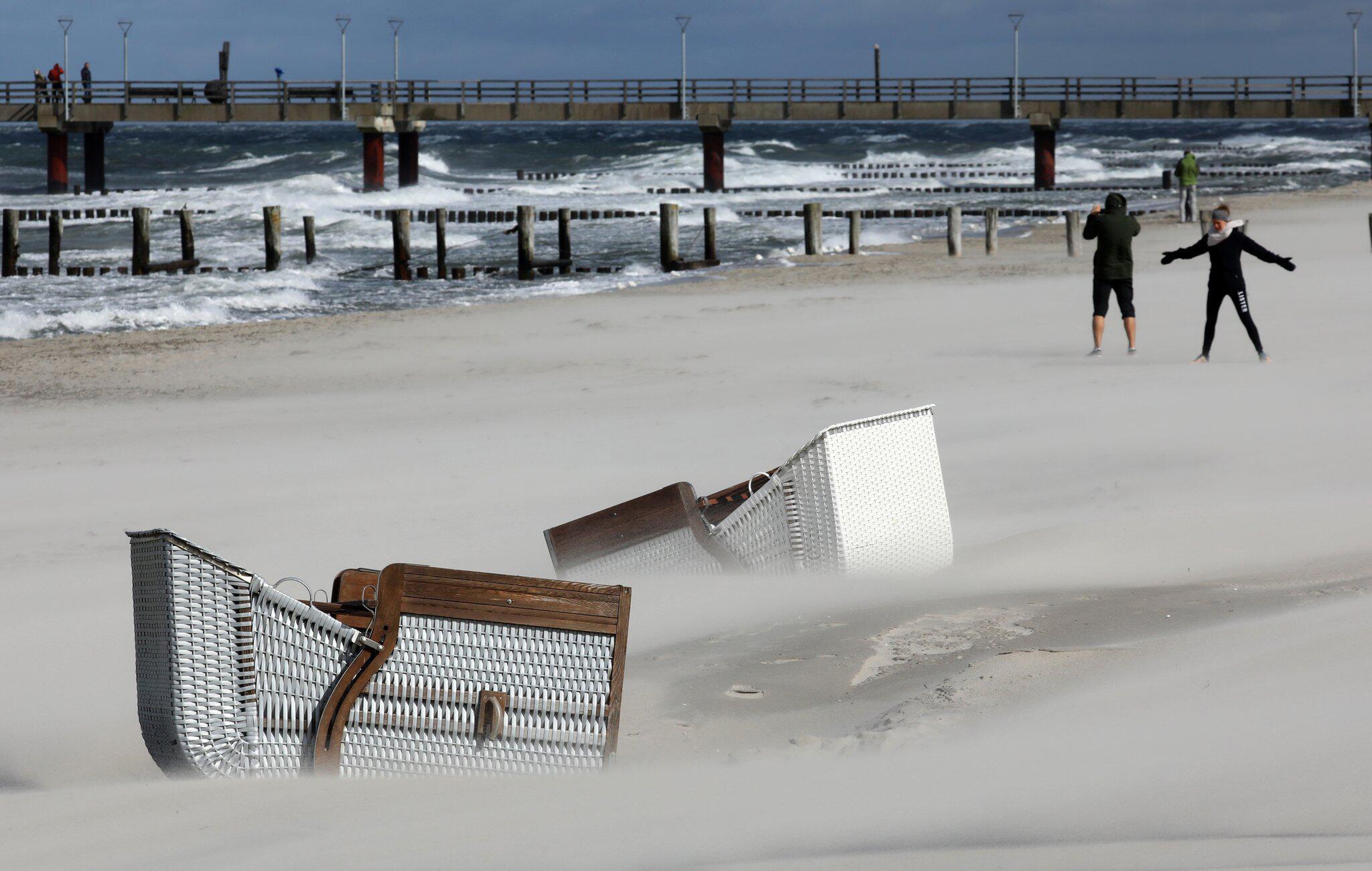Bild zu Sturm und Regen an der Ostsee