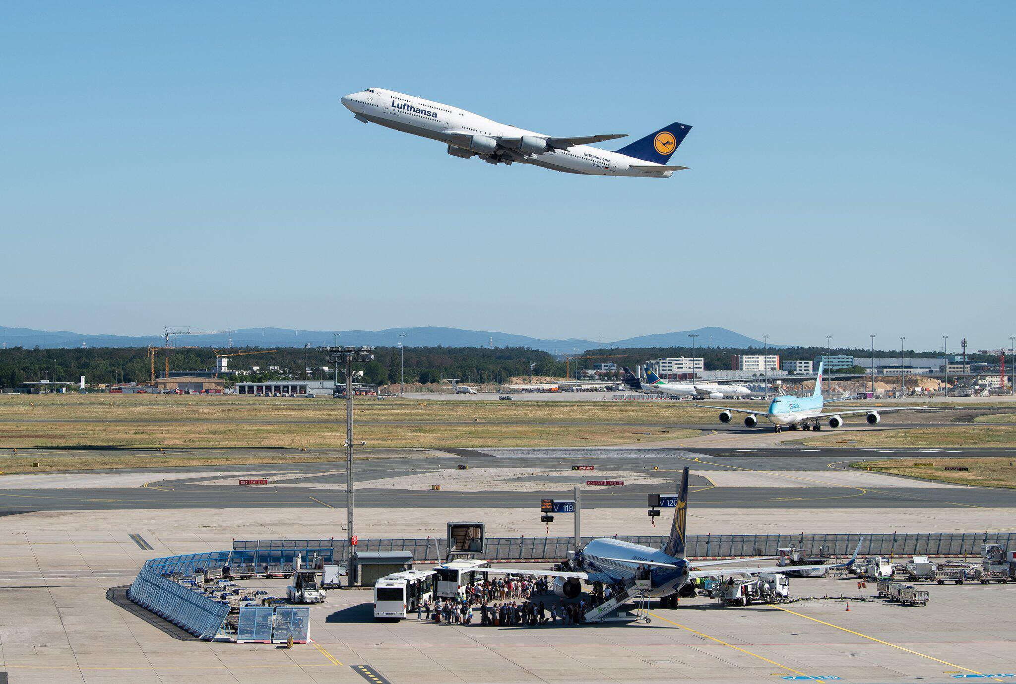 Bild zu Lufthansa Flugzeug