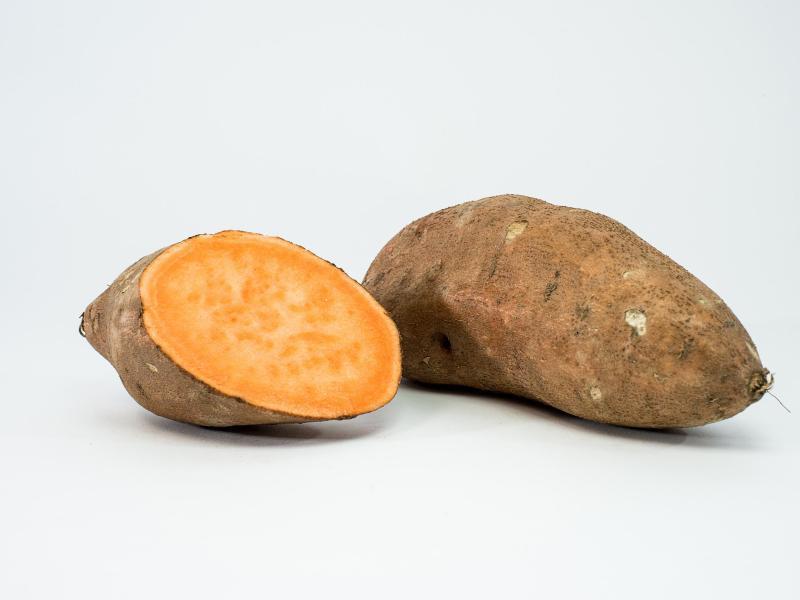 Bild zu Aufgeschnittene Süßkartoffel