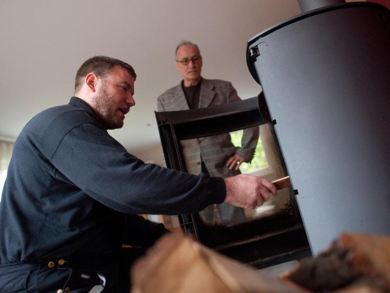 zweimal in sieben jahren wann der schornsteinfeger kommt gmx at. Black Bedroom Furniture Sets. Home Design Ideas