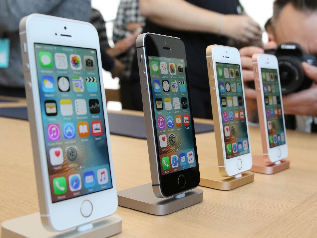 Bild zu Das Apple iPhone SE 32 GB – starke Leistung in handlich-kompakter Größe