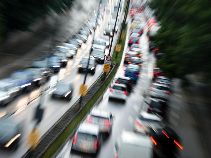 Bild zu Verkehr auf B2R