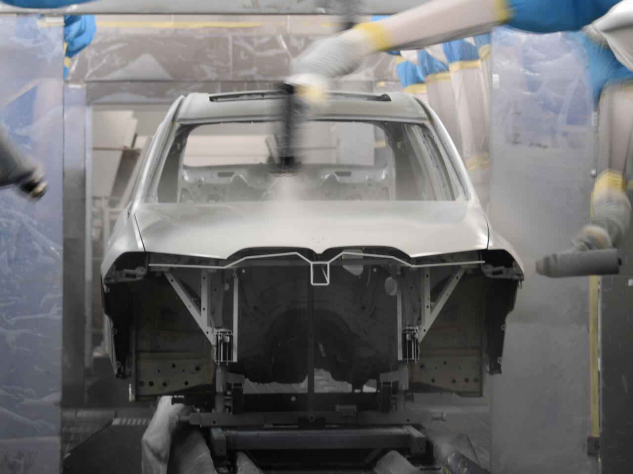 Bild zu Lackiererei BMW X7
