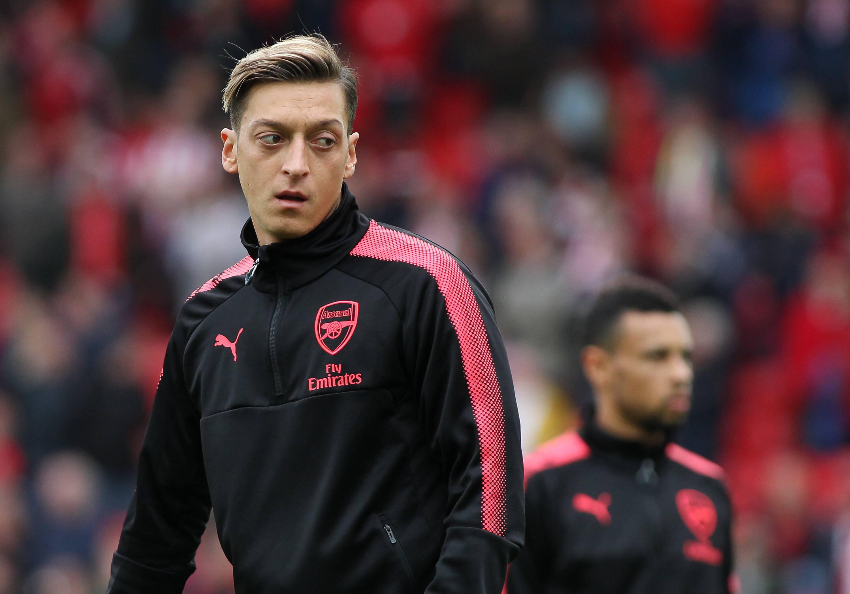 Bild zu Mesut Özil, Polizei, Stoke City, Premier League