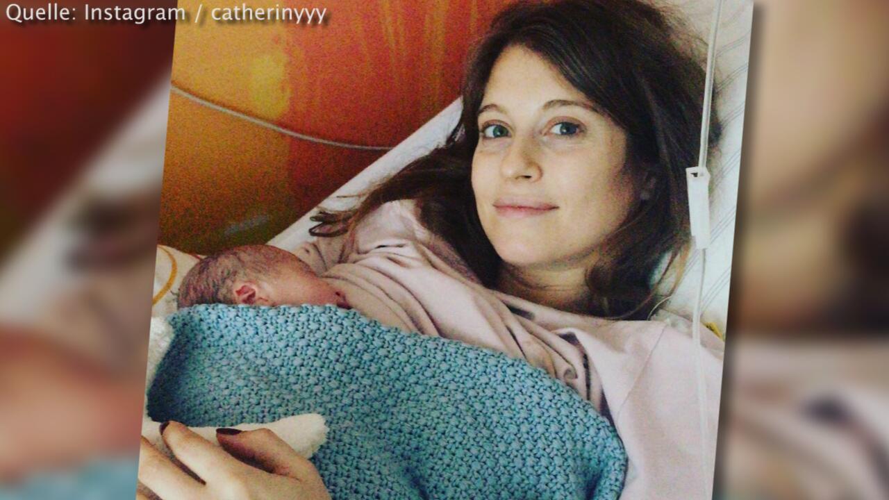 Bild zu Cathy Hummels: Shistorm für Babyfoto