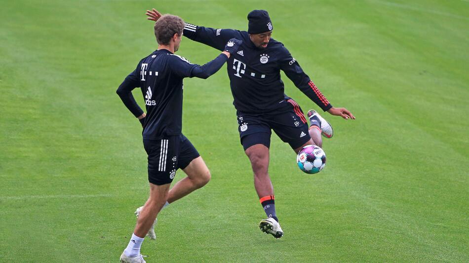 Ex-Nationalspieler Thomas Müller und Jerome Boateng trainieren in München.