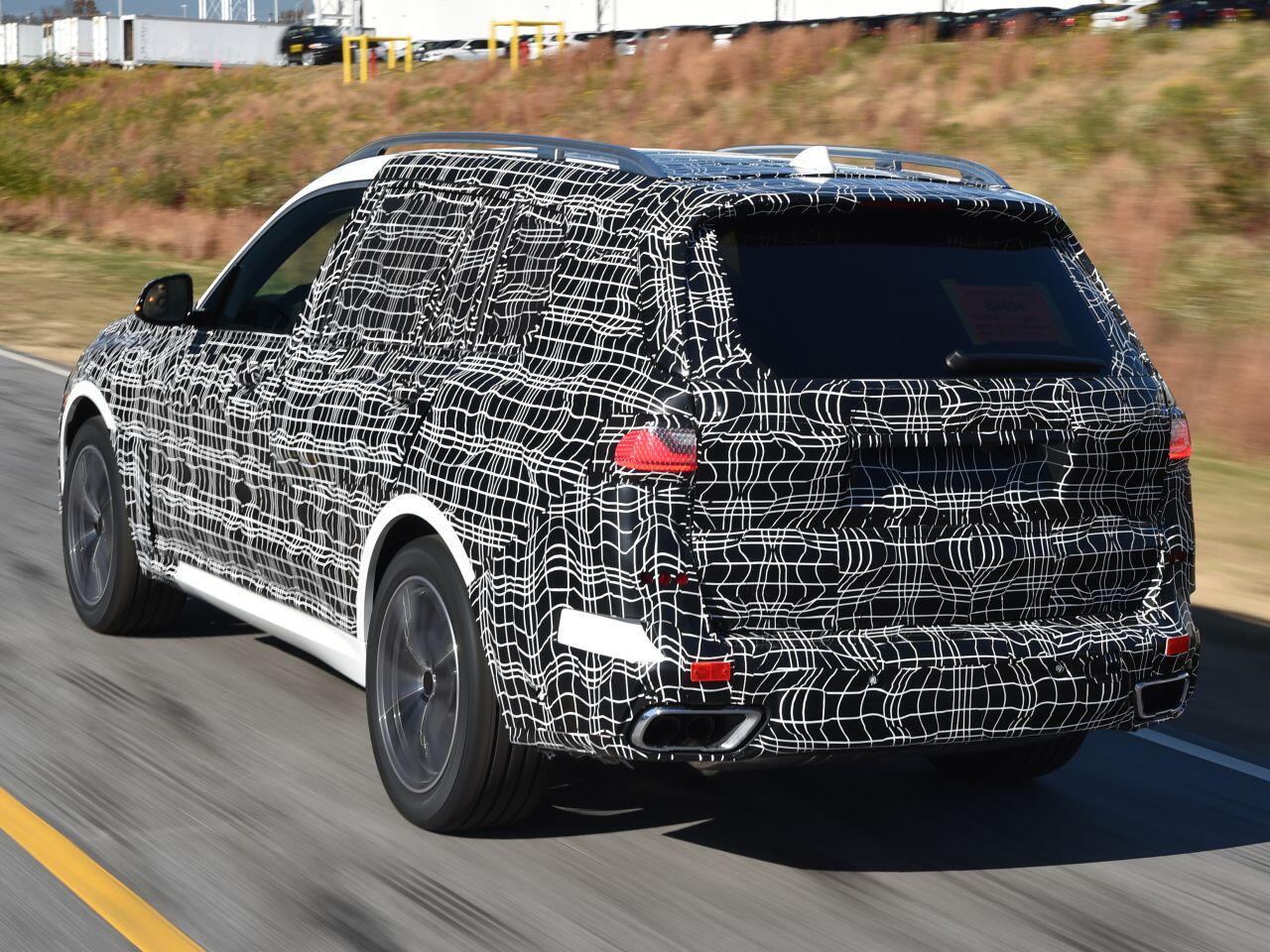 Bild zu Heck des BMW X7