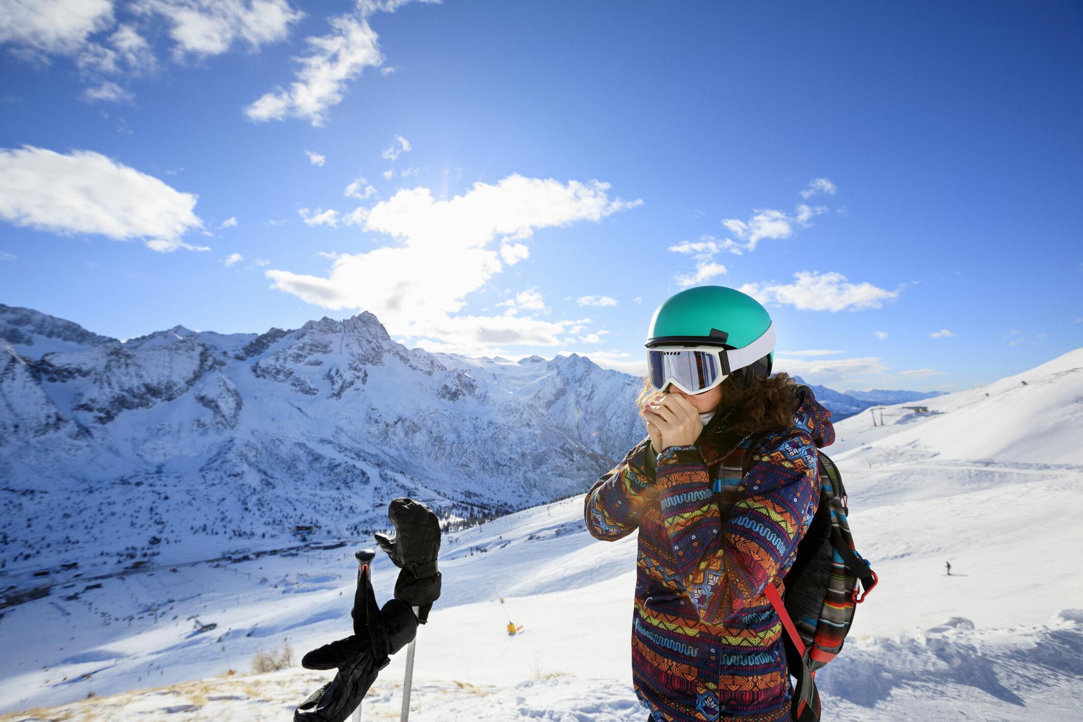 Bild zu Skihelm, Snowboardhelm, Skiausrüstung, Snowboardausrüstung, Skifahren