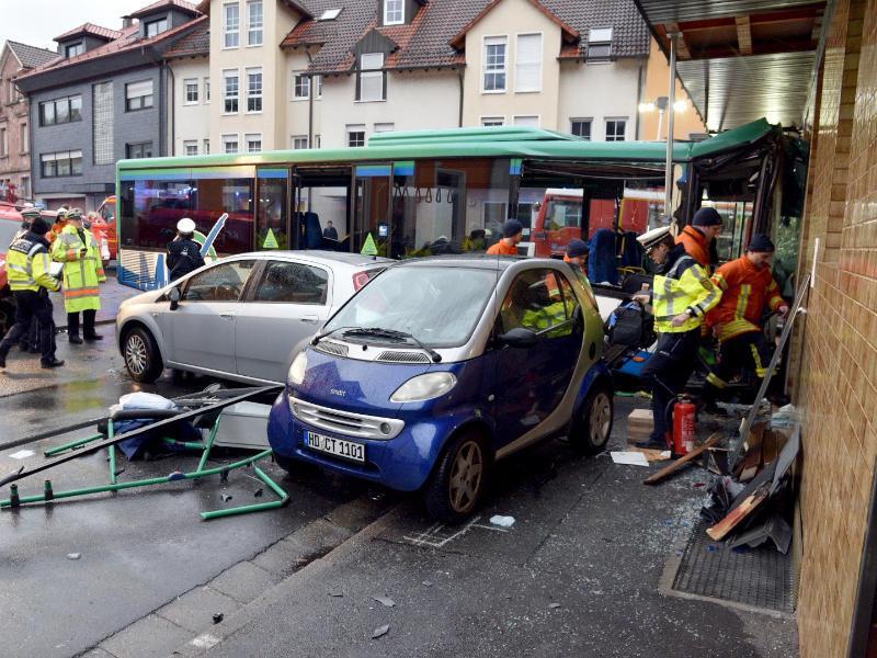 Bild zu Schulbus Unfall