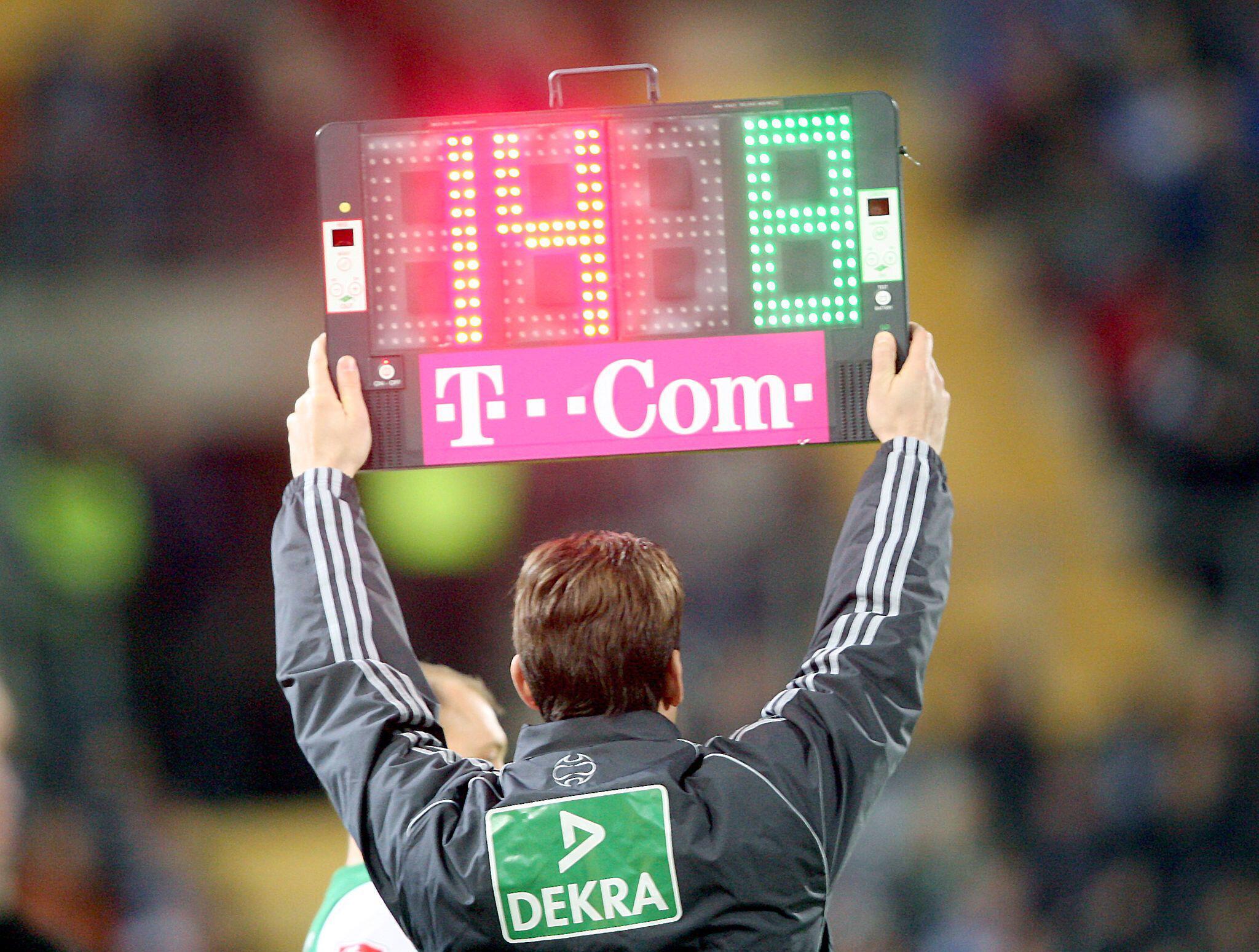 Bild zu FIFA-Vorschlag Fünf Auswechslungen in Corona-Krise
