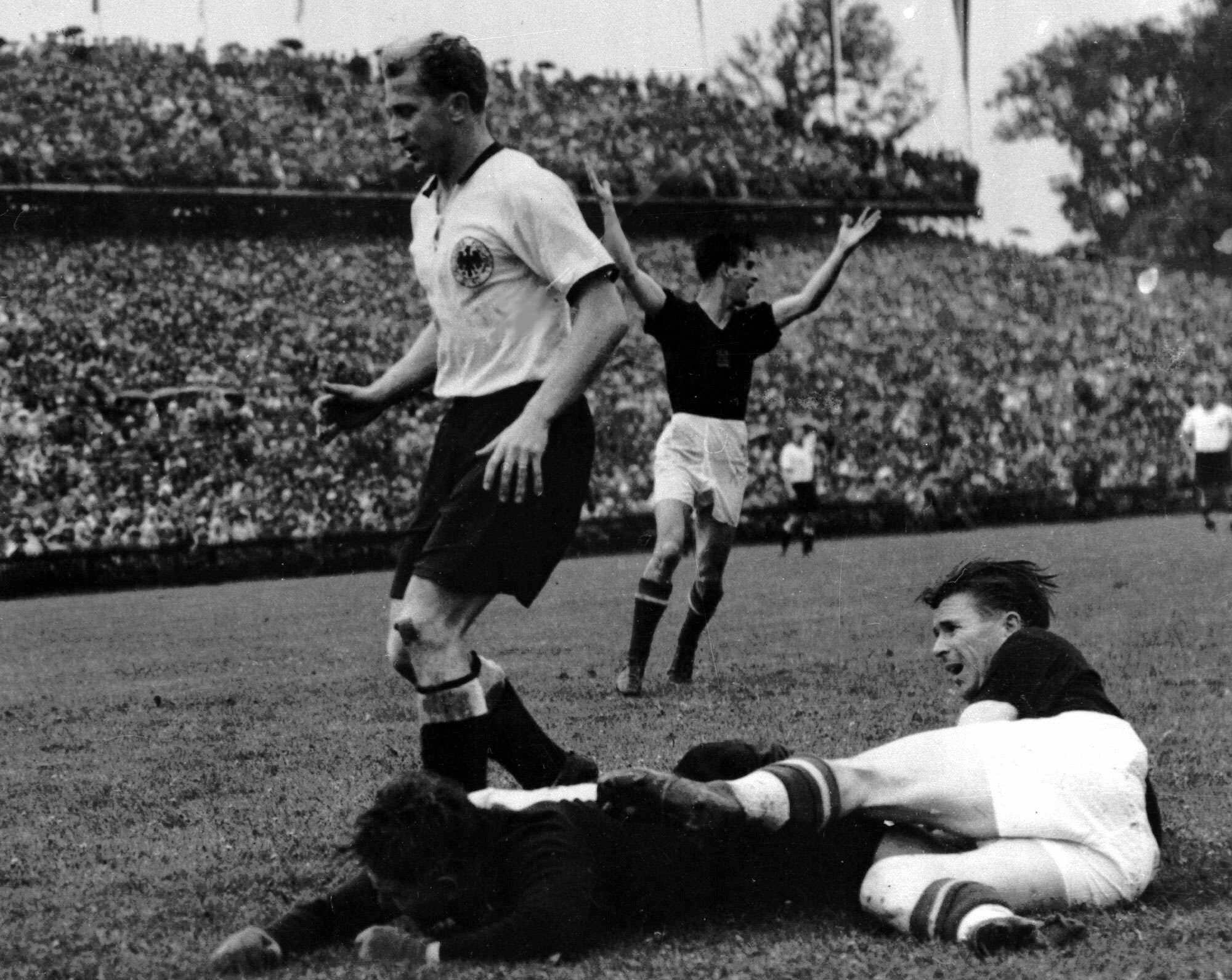 Bild zu WM 1954, Bern, Schweiz, Deutschland, Ungarn, Endspiel, Finale, Bern, Turek, Liebrich, Puskas