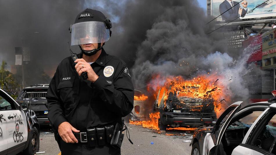 US-Repräsentantenhaus stimmt Polizeireformen zu