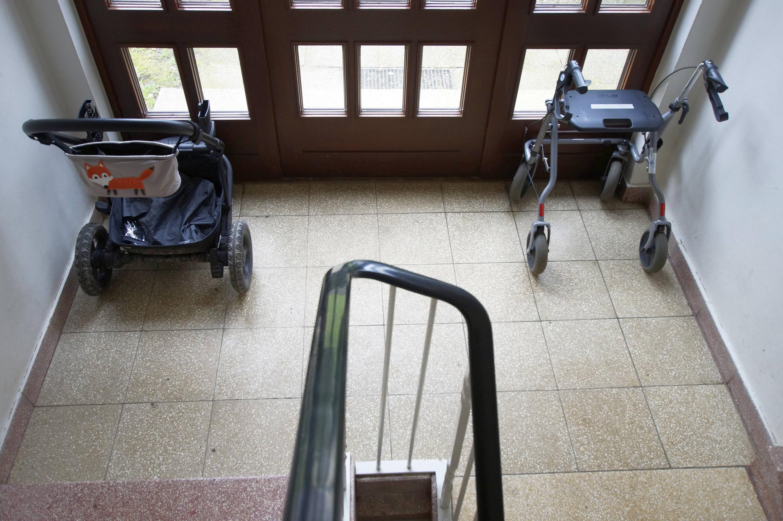 Bild zu Treppenhaus, Rollator, Kinderwagen