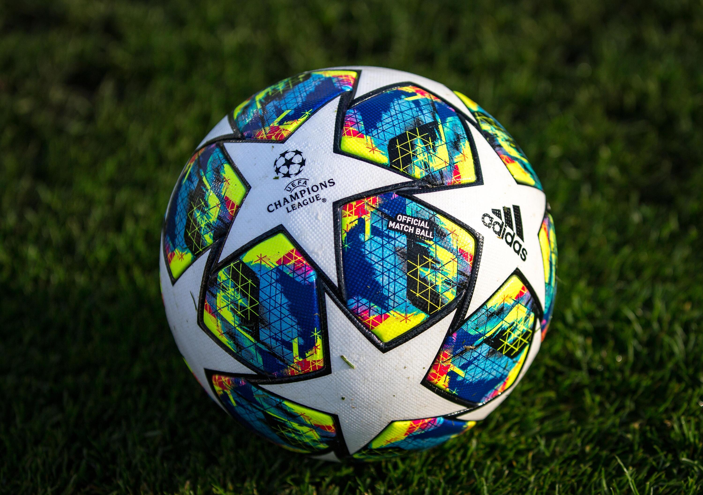 Bild zu Fußball, Champions League, Ball,
