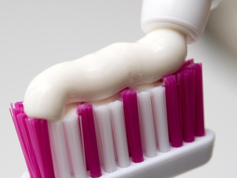 Bild zu Vorsicht mit Whitening-Zahncreme