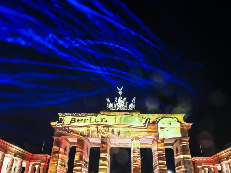 Bild zu Beleuchtetes Brandenburger Tor