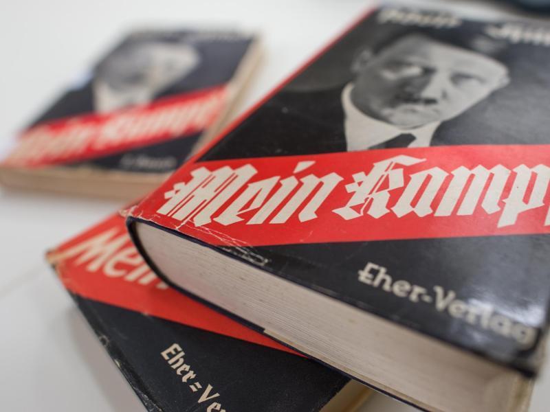 Bild zu Kommentierte Hitler-Propaganda