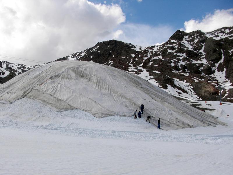 Bild zu Skifahren mit schöner Kulisse