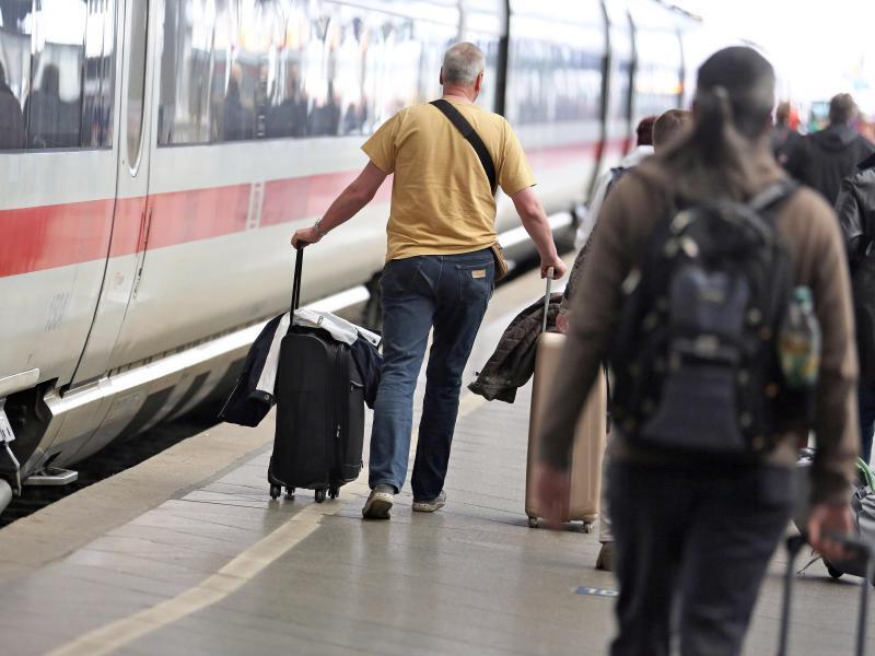 Bild zu Mehr Bahnreisende