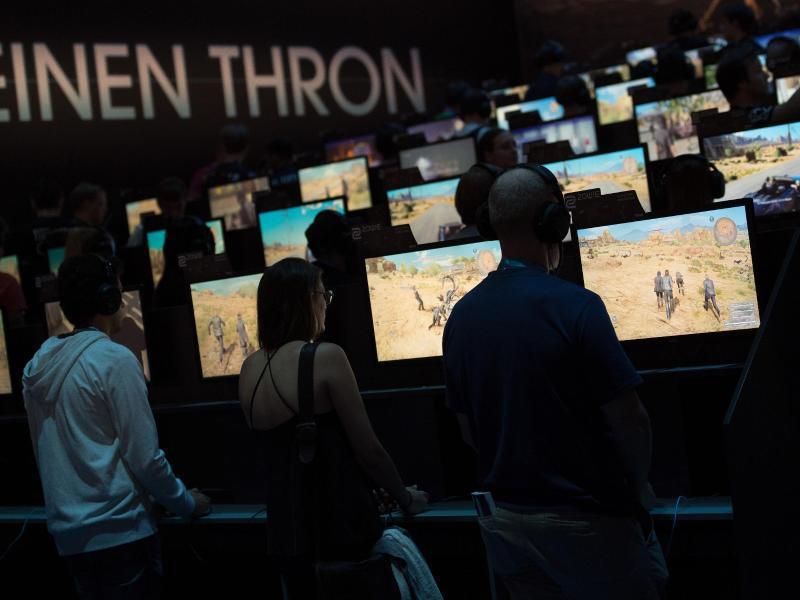 Bild zu Spieler auf der Messe Gamescom