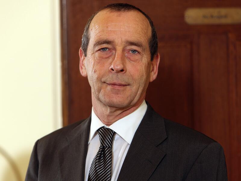 Dr. Ewald Böhlke
