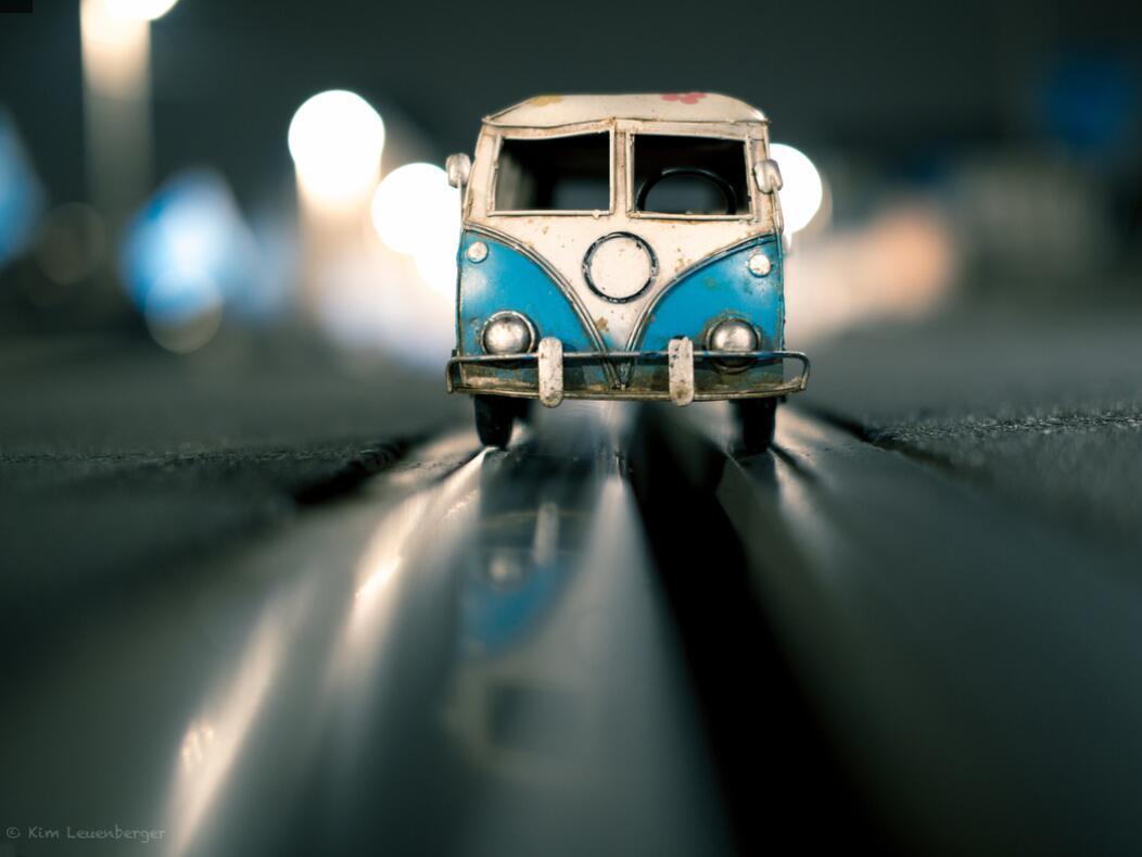 Bild zu Geschwindigkeitsrausch mit VW-Bulli