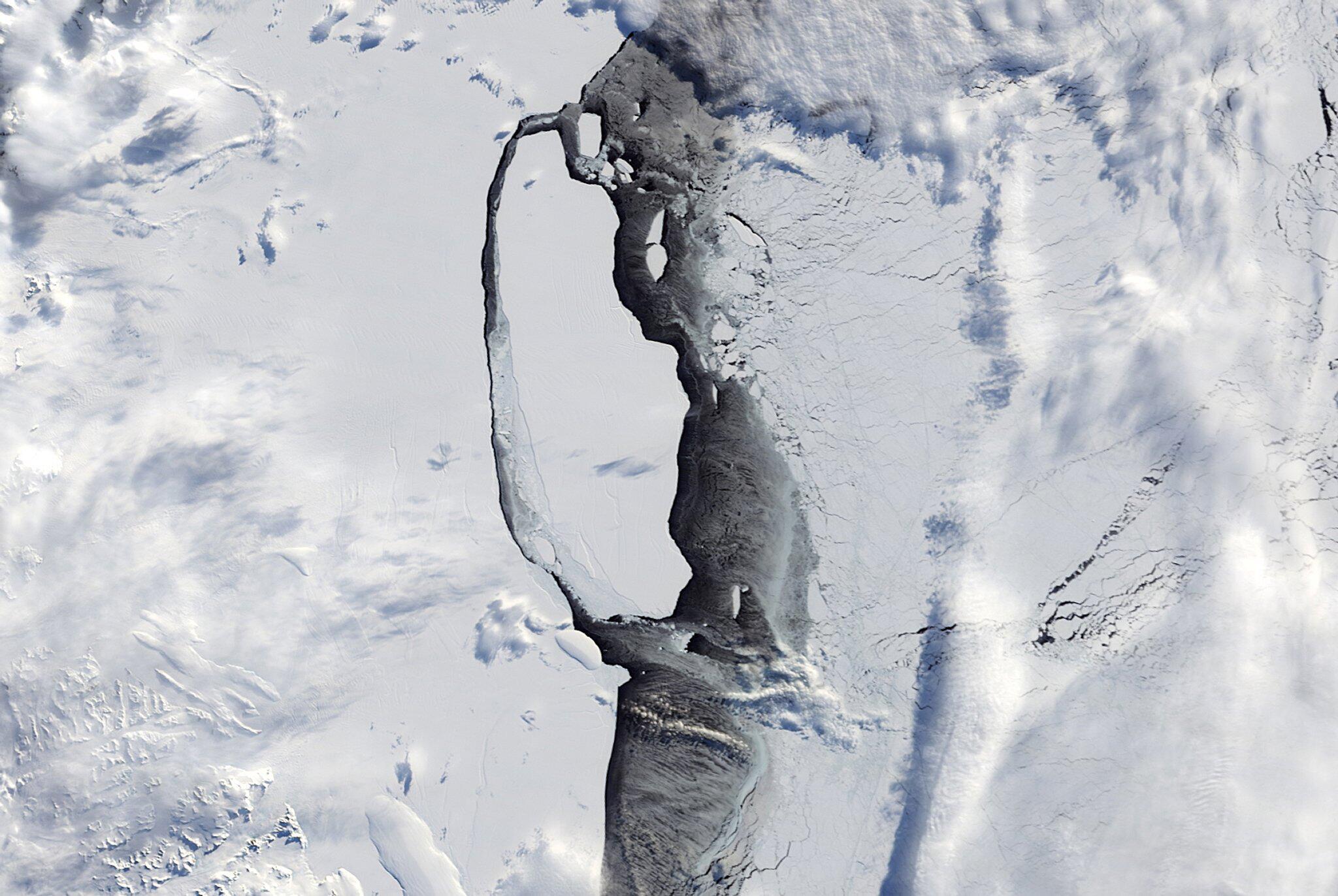 Bild zu Eisberg A68 in der Antarktis