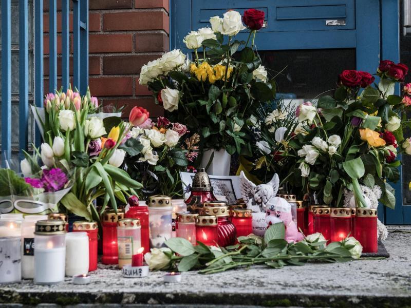 Bild zu Gedenken an getötetes Mädchen