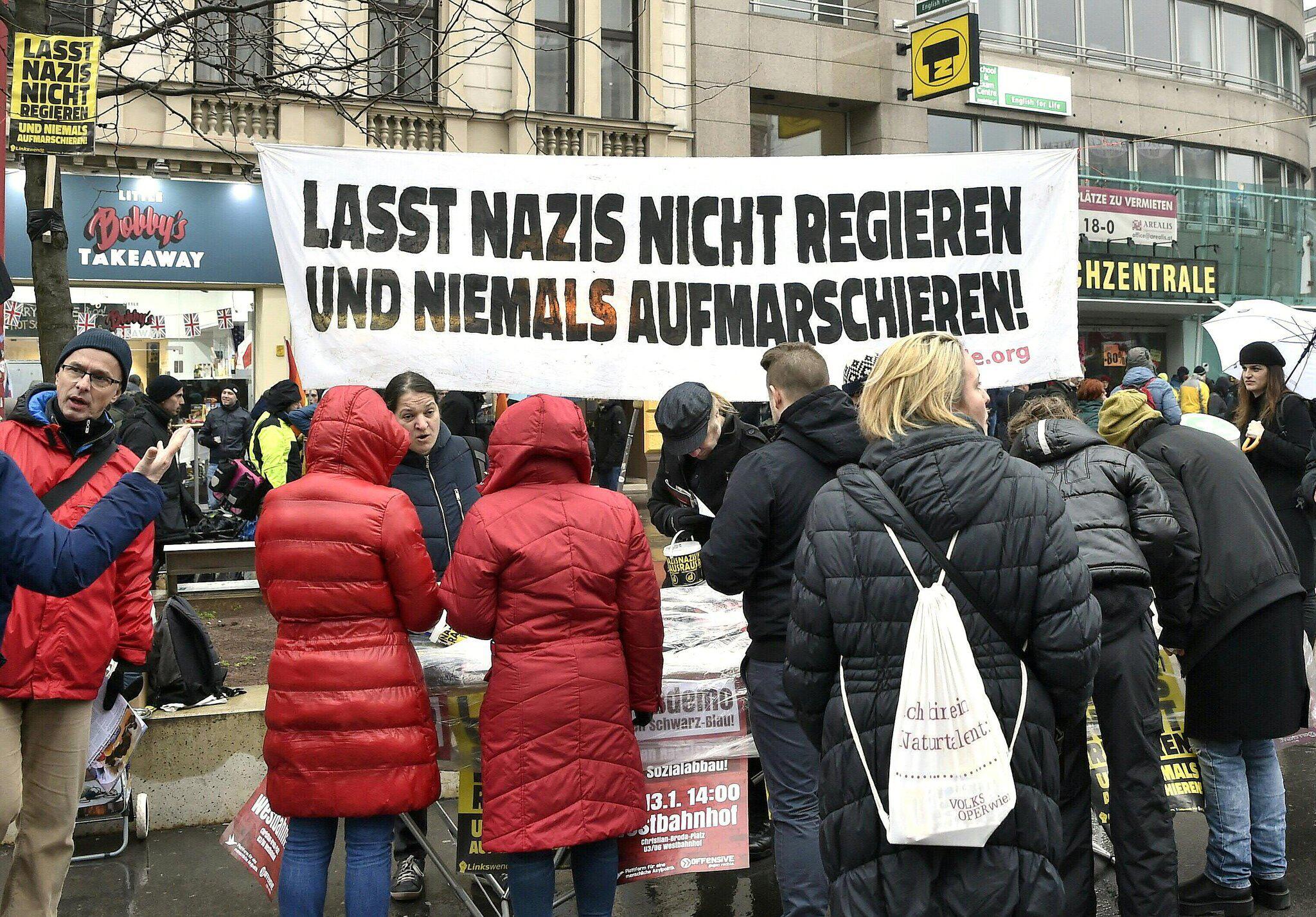 Bild zu Protest in Wien gegen rechtskonservative Regierung
