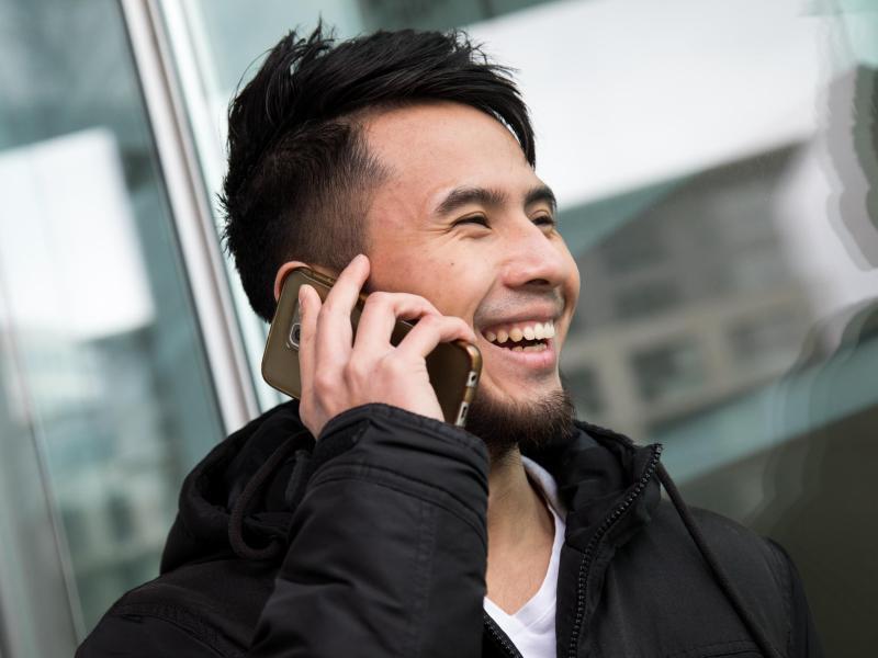 Bild zu Telefonieren mit einem Günstig-Tarif