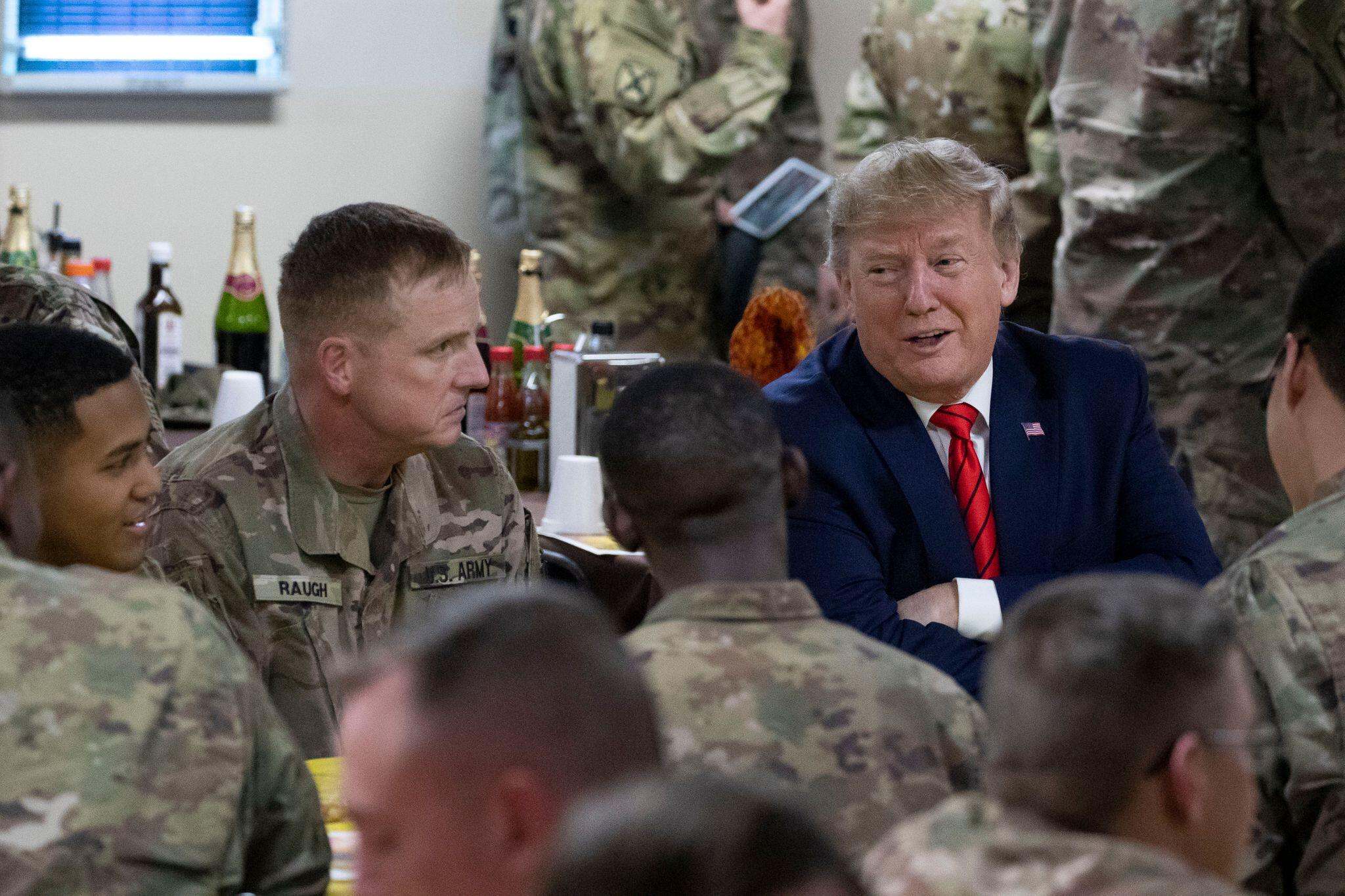 Bild zu Trump drückt bei Truppenabzug aufs Tempo