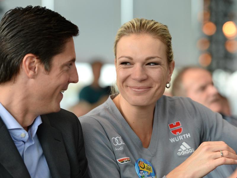 Bild zu Maria Höfl-Riesch und Ehemann Marcus