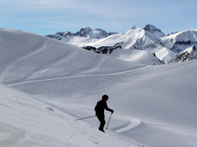 Bild zu Skifahrer auf dem Nebelhorn