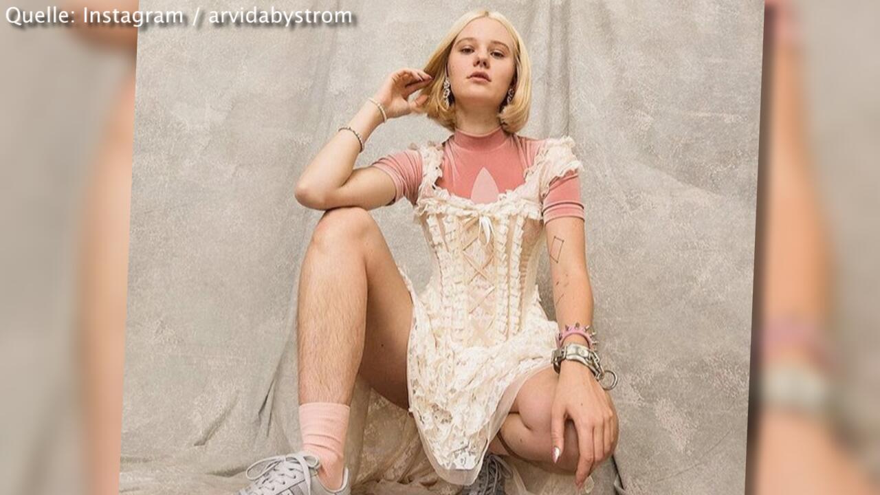 Bild zu Unrasierte Beine: Model bekommt Vergewaltigungs-Drohungen