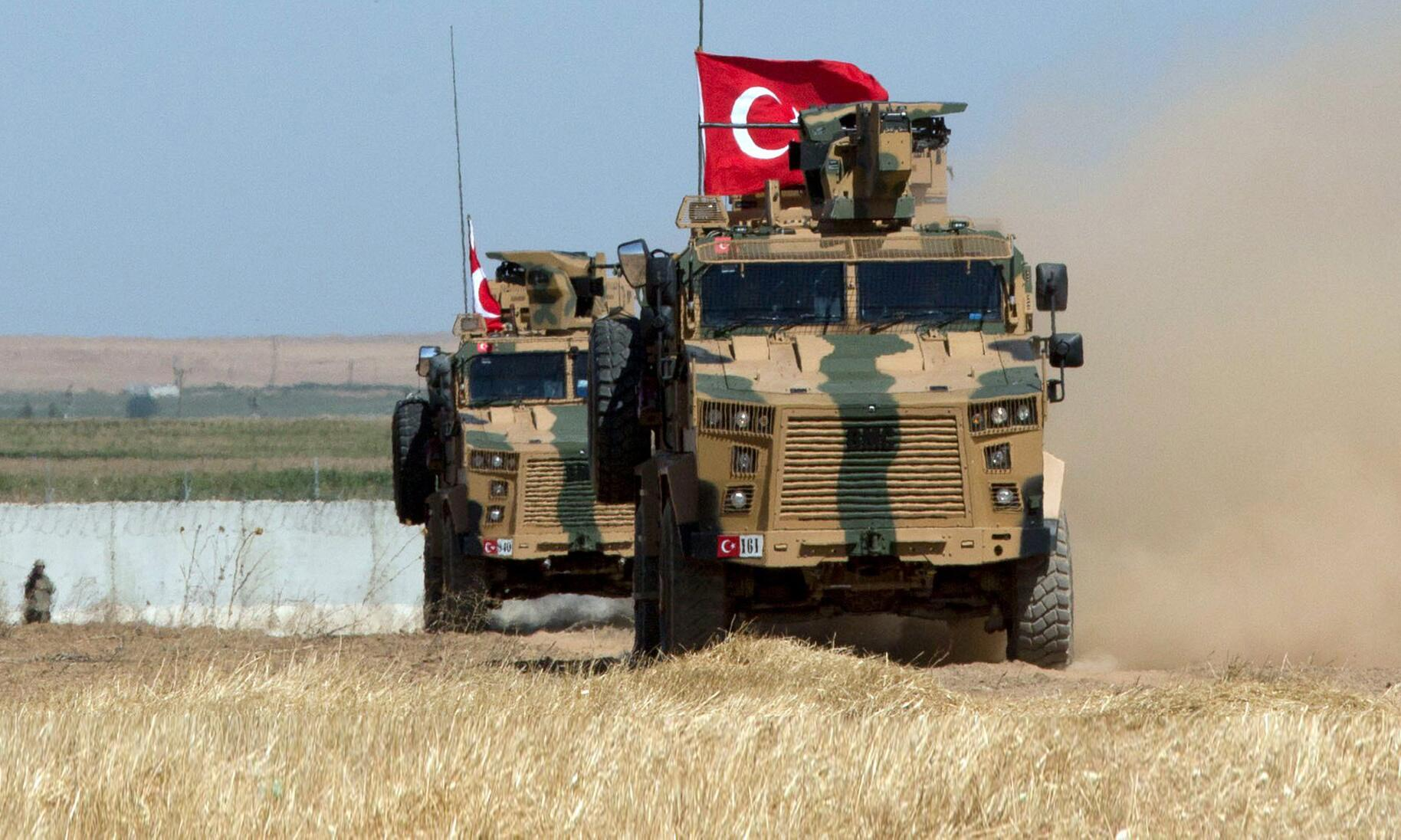 Bild zu Zwei türkische Soldaten bei Luftangriff in Idlib getötet